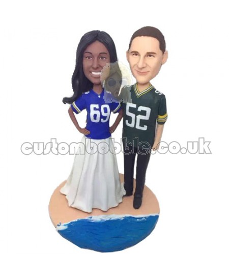 american football fans couple bobbleheads